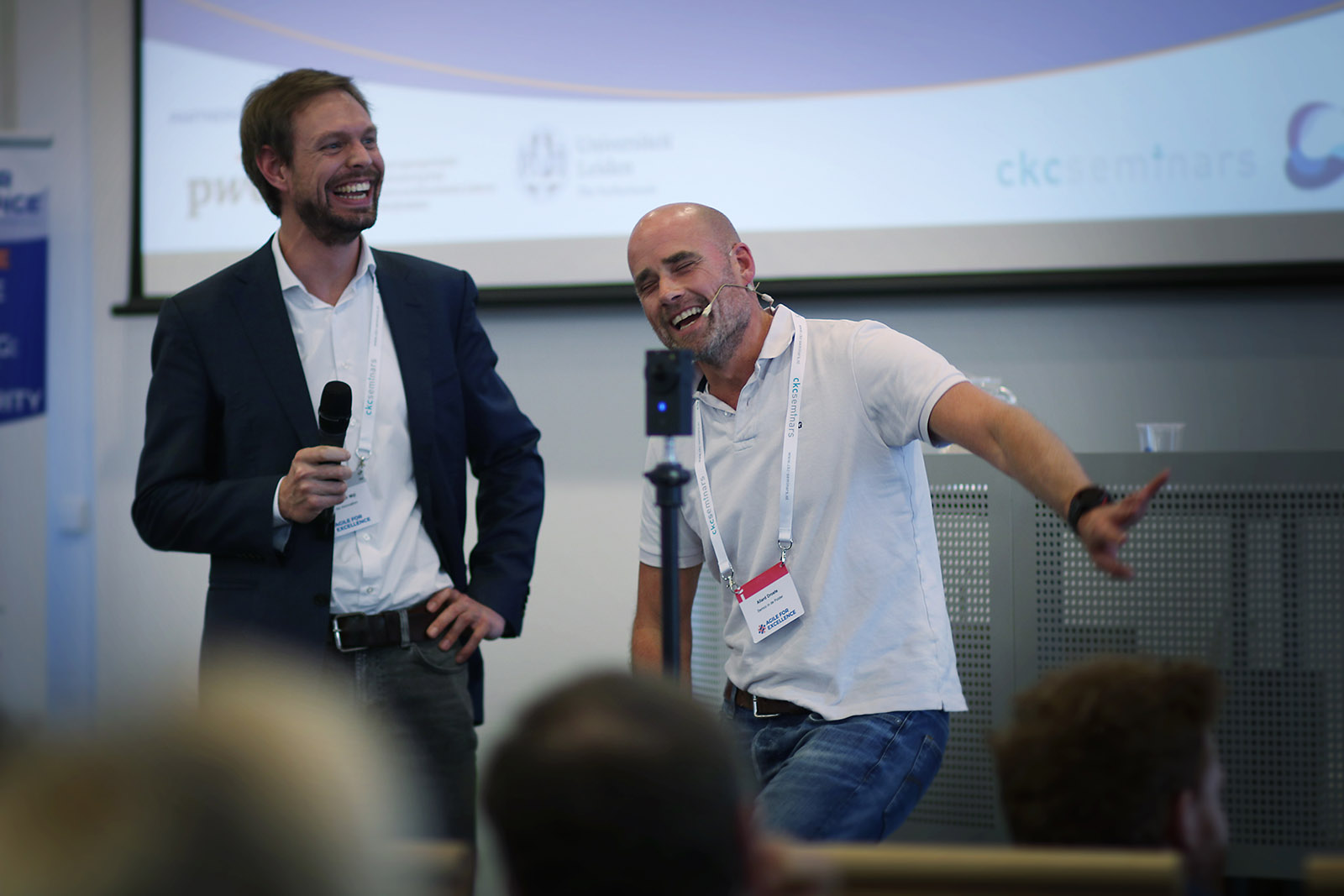 Keynote speaker Allard Droste (right), professional dreamer, entrepreneur and best-selling author of the book 'Semco in de Polder' with CFI colleague Jesse van der Mijl.