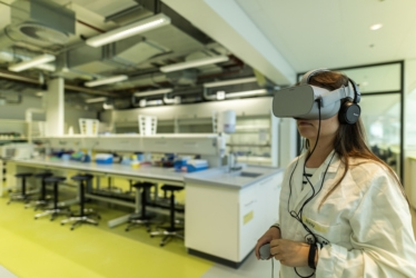 Lab Safety: VR for critical decision making